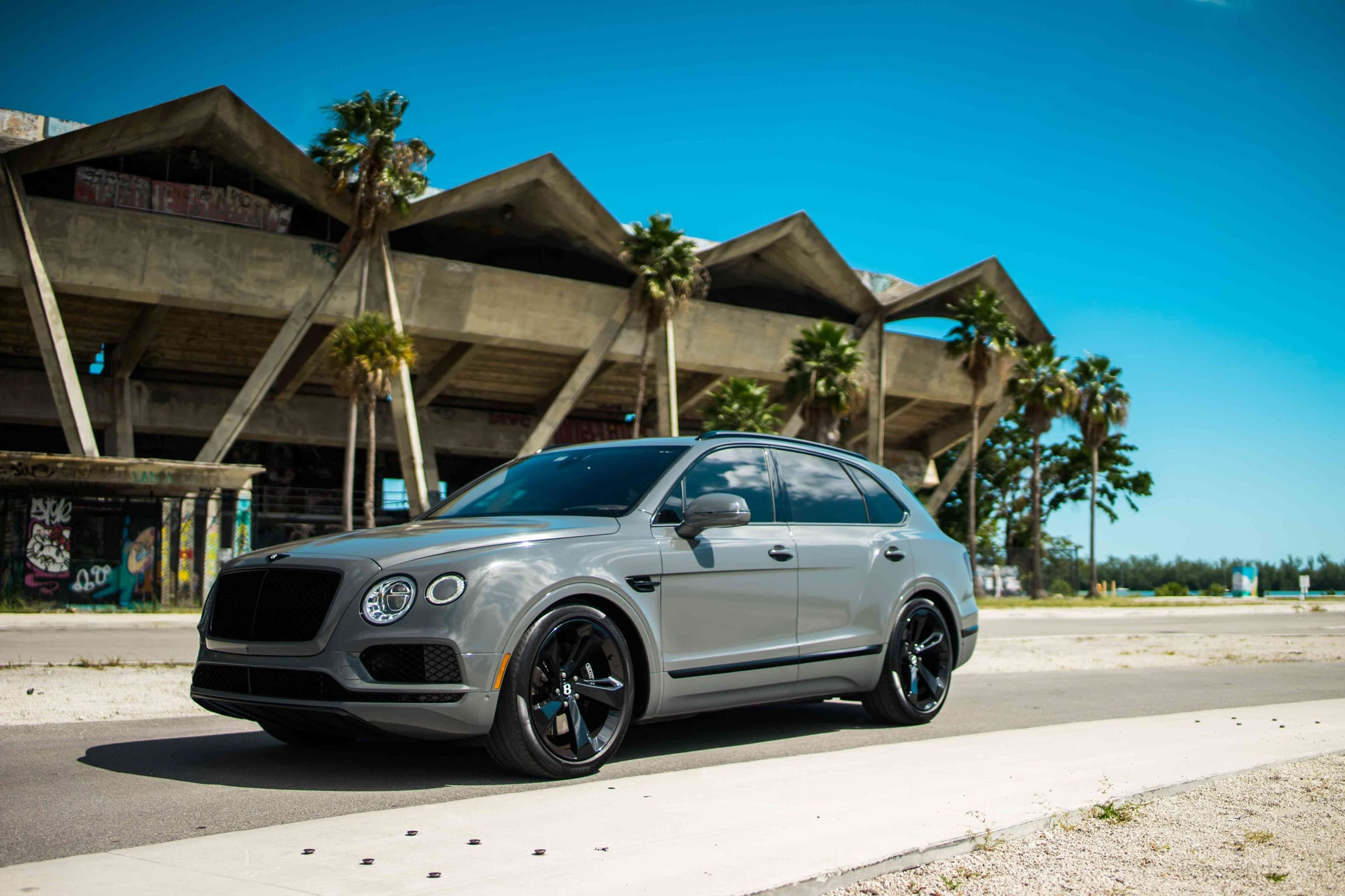 2018 Bentley Bentayga   ,