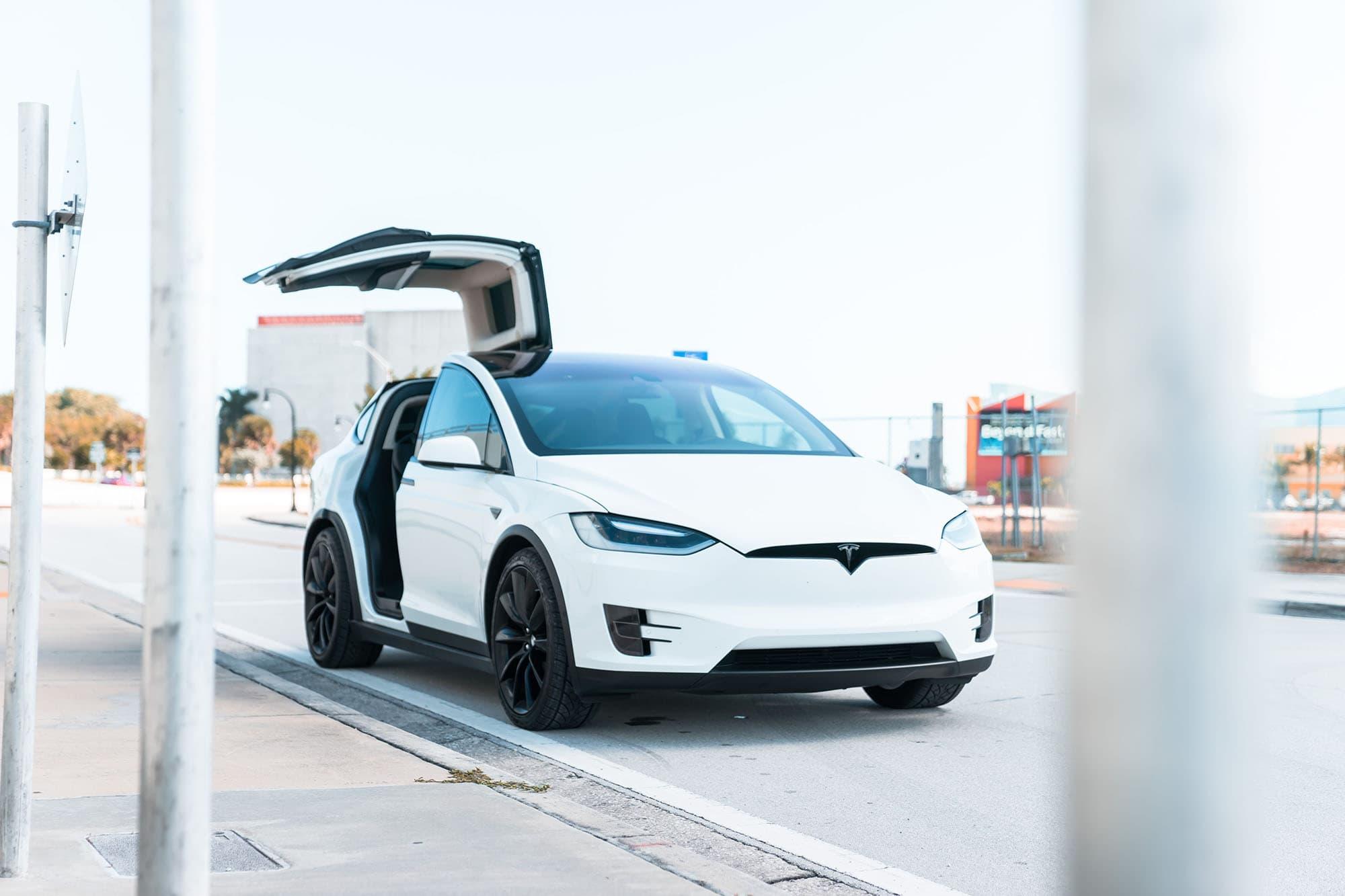 2017 Tesla Model X   ,