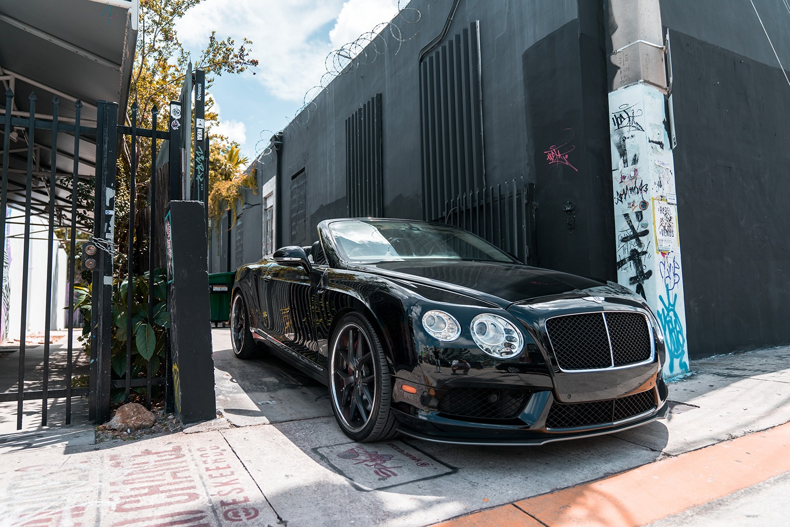 2016 Bentley GTC   ,