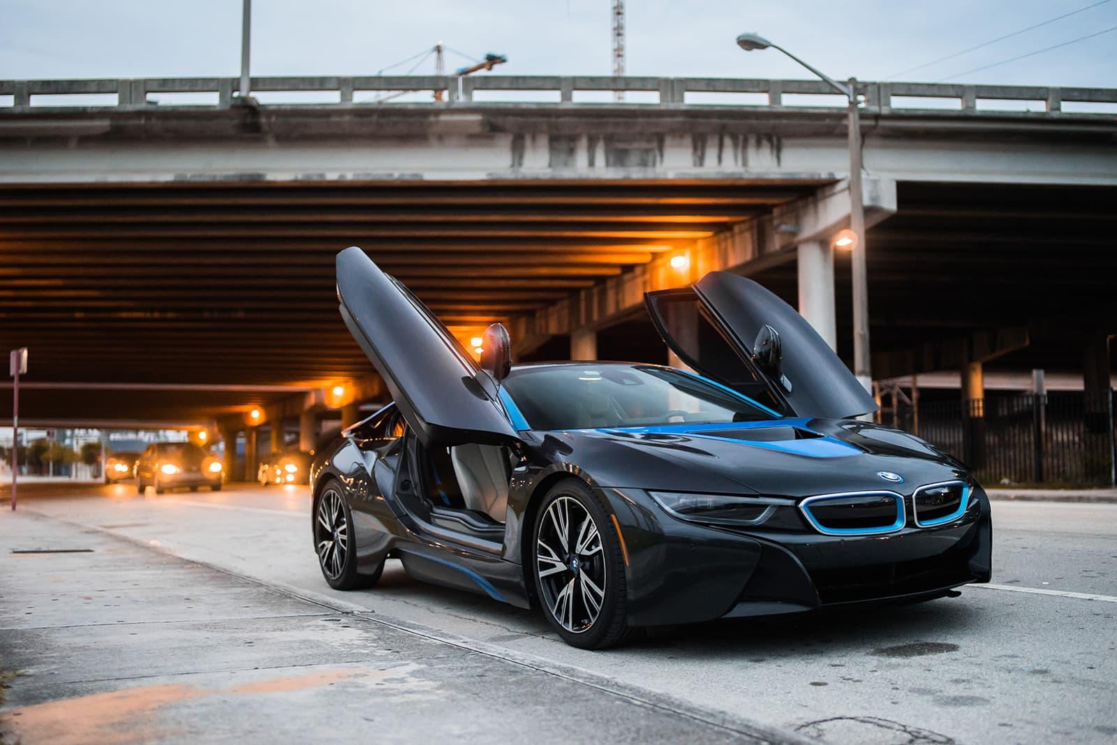 2018 BMW i8   ,