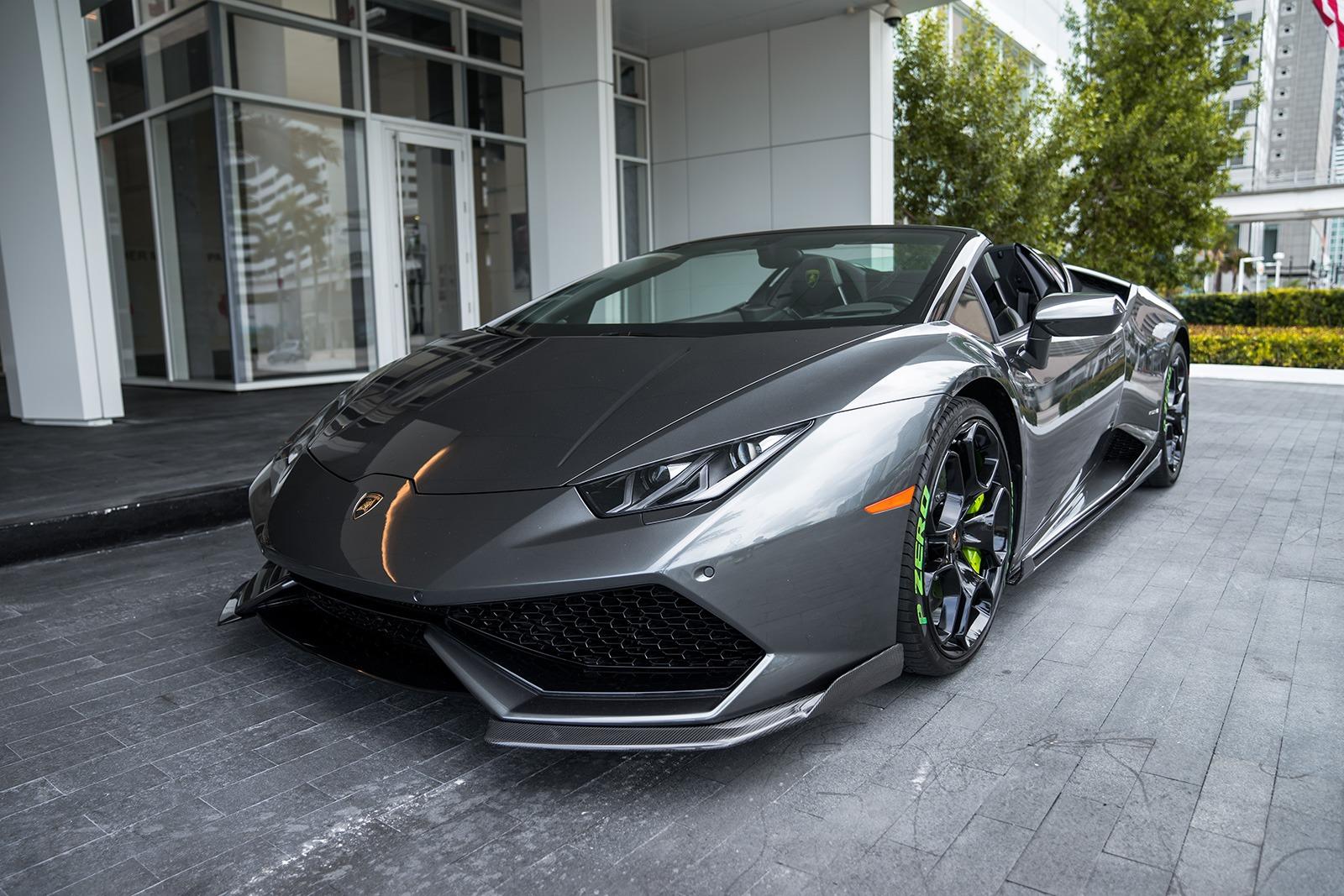 2018 Lamborghini Huracan Spyder   ,