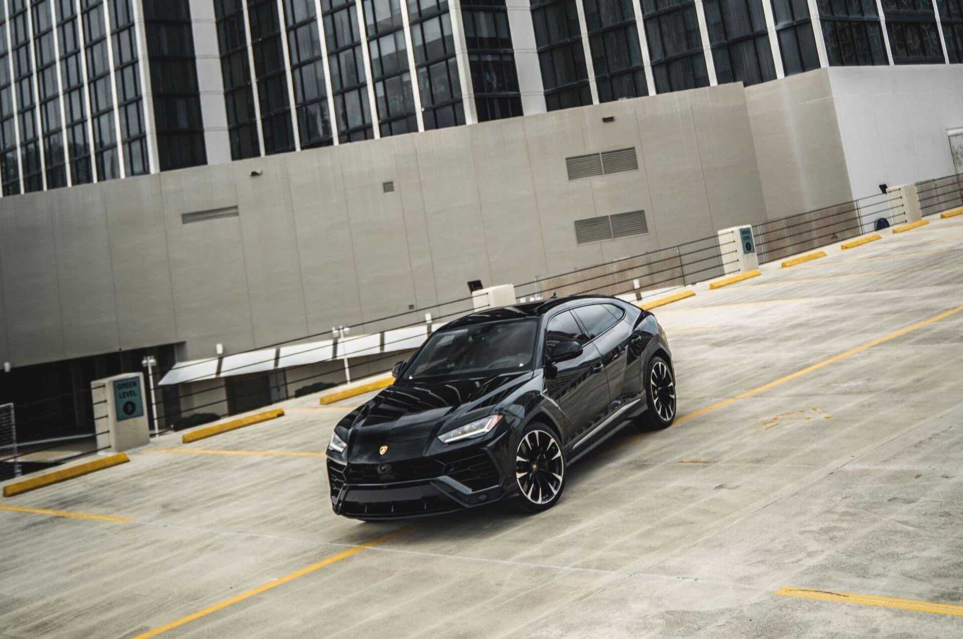 2019 Lamborghini Urus  4-Door ,